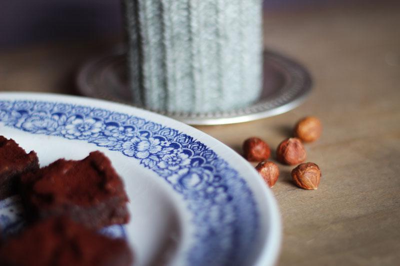 Brownie aux dattes et noisettes
