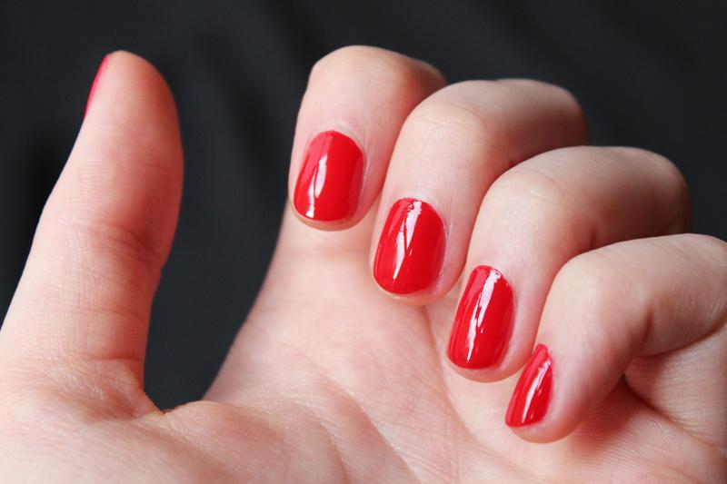 Vernis à ongles Avril Vermillon N° 33 - Juliette blog féminin
