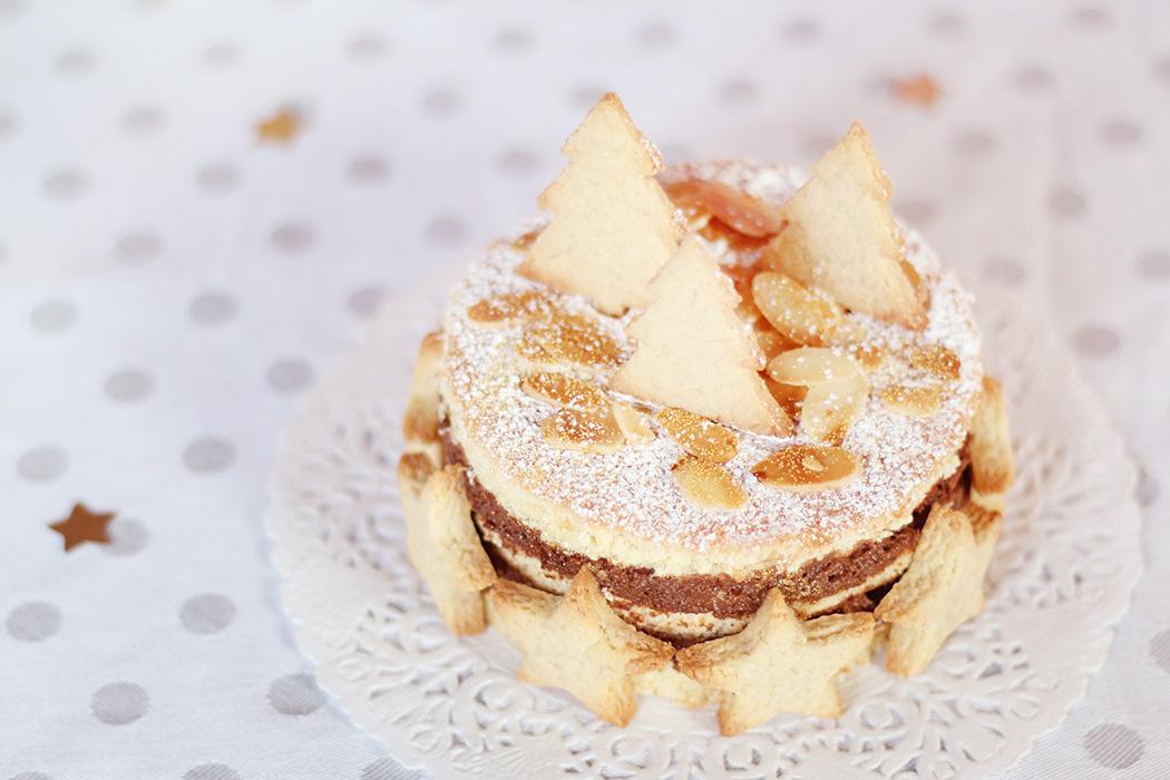 Gâteau de Noël décoration amandes et sablés - Juliette blog féminin