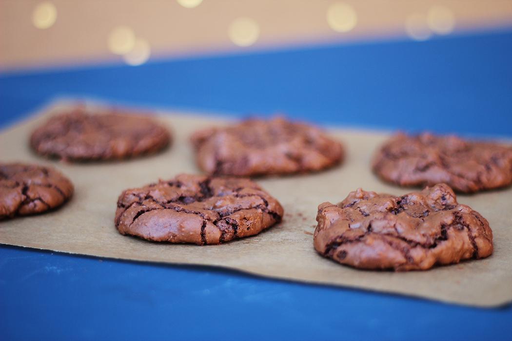 Cookies fondants et craquelés -chocolat noir et noisette - Juliette blog féminin (3)